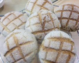 休日は本格的にパン作りに挑む